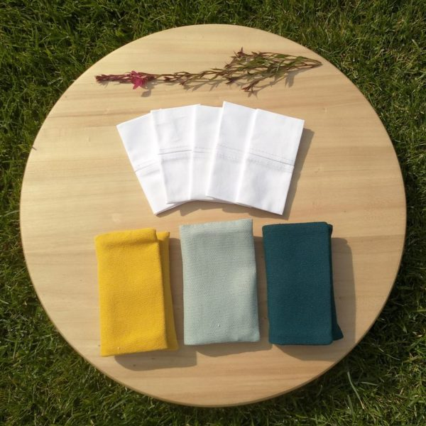 Julka zsebkendőtartó szett színvariációi